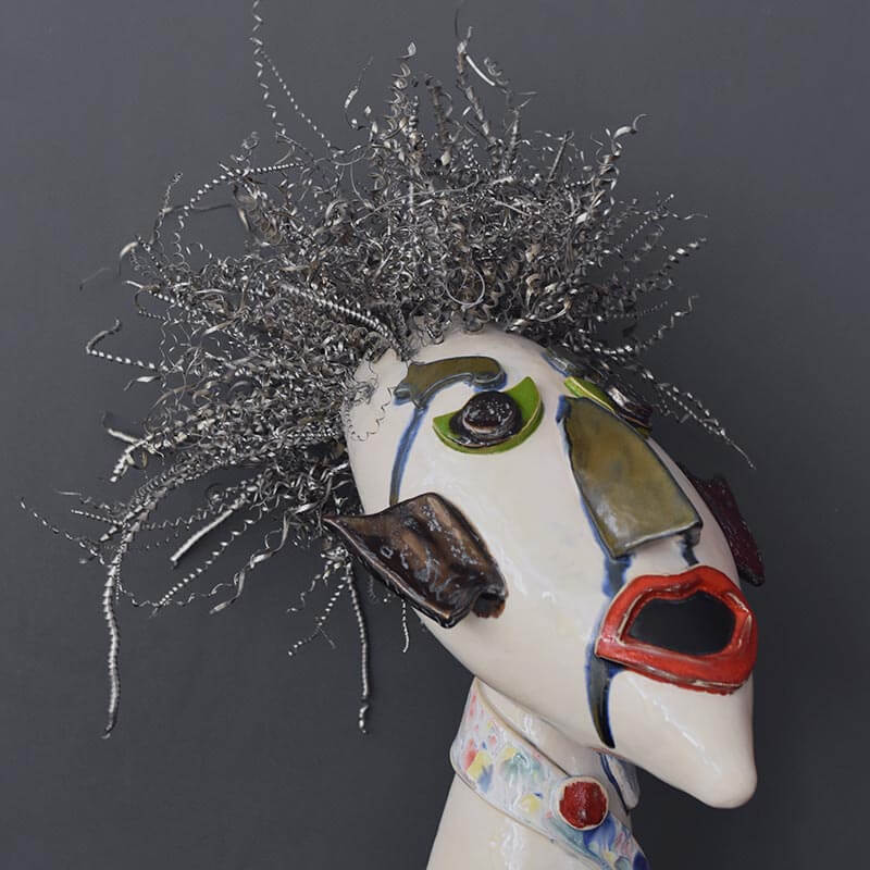 Keramikkopf mit Drahthaaren